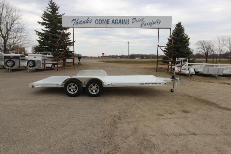 2020 Featherlite 3182 18' Car / Racing Trailer