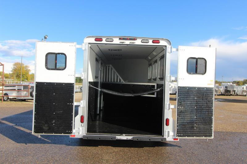 2018 Trailers USA Inc. 3HR GN Horse Trailer