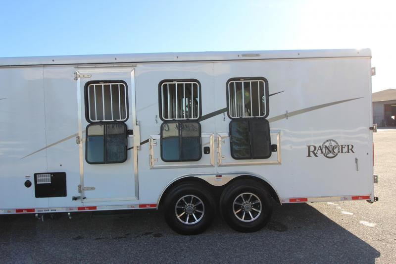 2020 Bison Trailers Ranger 3HR 15' LQ Slide Horse Trailer