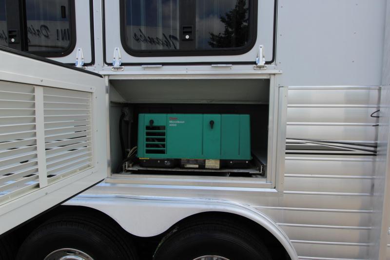 2008 Sundowner Trailers 4HR 14' LQ Horse Trailer