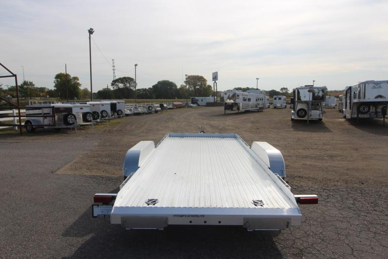 2021 Featherlite 3110 17' Car / Racing Trailer