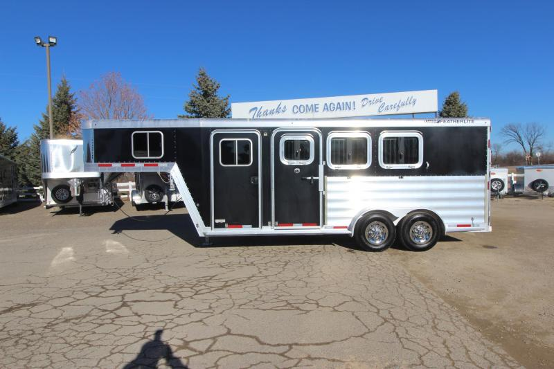 2015 Featherlite 3HR GN 8541 Horse Trailer