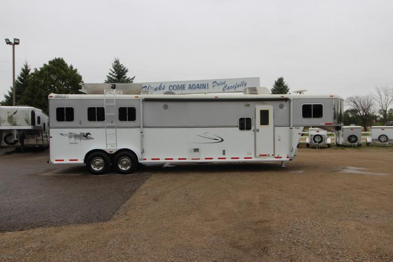 2008 Circle J Trailers 3HR Slant Load 12' LQ 6' Slide Horse Trailer