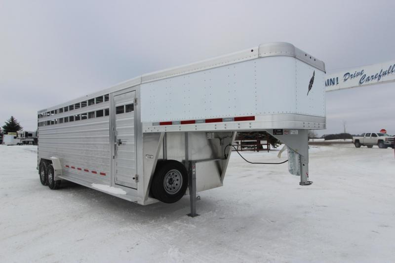2021 Featherlite 8127 24' Livestock Trailer