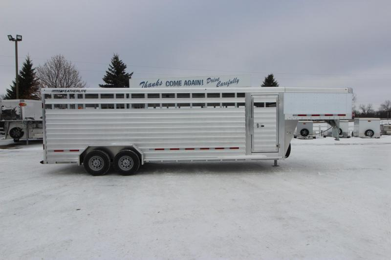 2021 Featherlite 8127 24' Livestock Trailer
