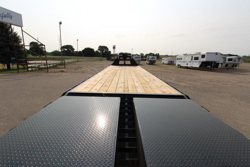 2021 Delco Trailers Flatbed 32' GN Equipment Trailer