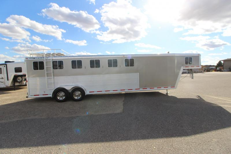 2005 Featherlite 8541 6HR Horse Trailer