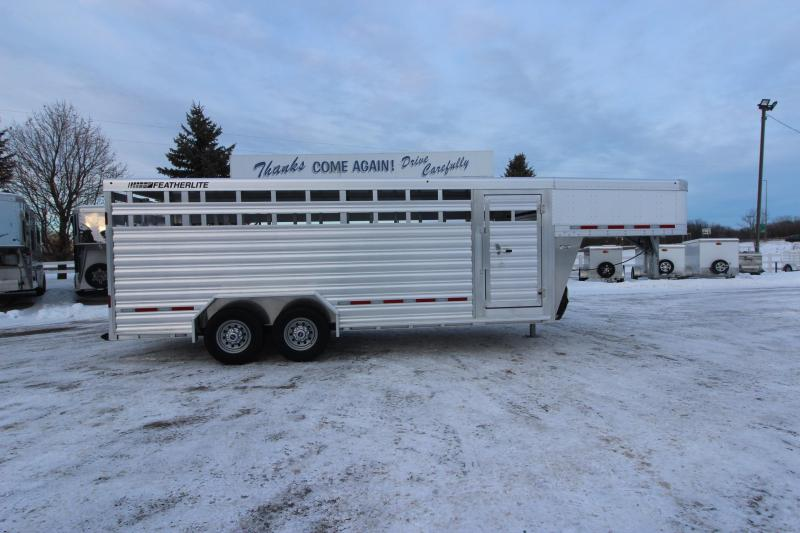 2021 Featherlite 8127 20' Livestock Trailer