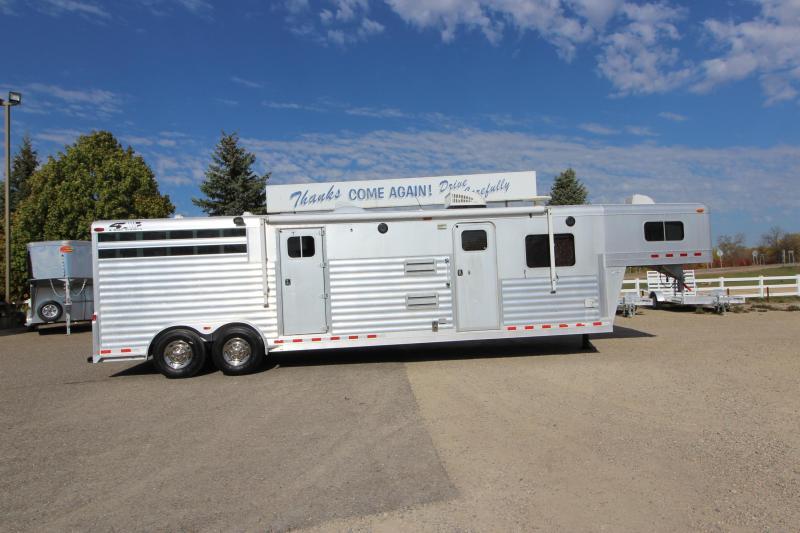 2004 4-Star Trailers 2HR 16' LQ Horse Trailer