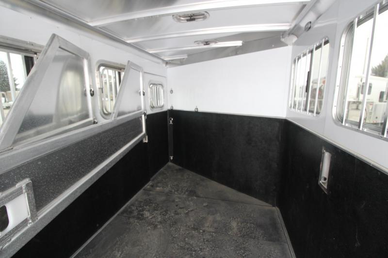 2021 Featherlite 7541 3HR GN Horse Trailer