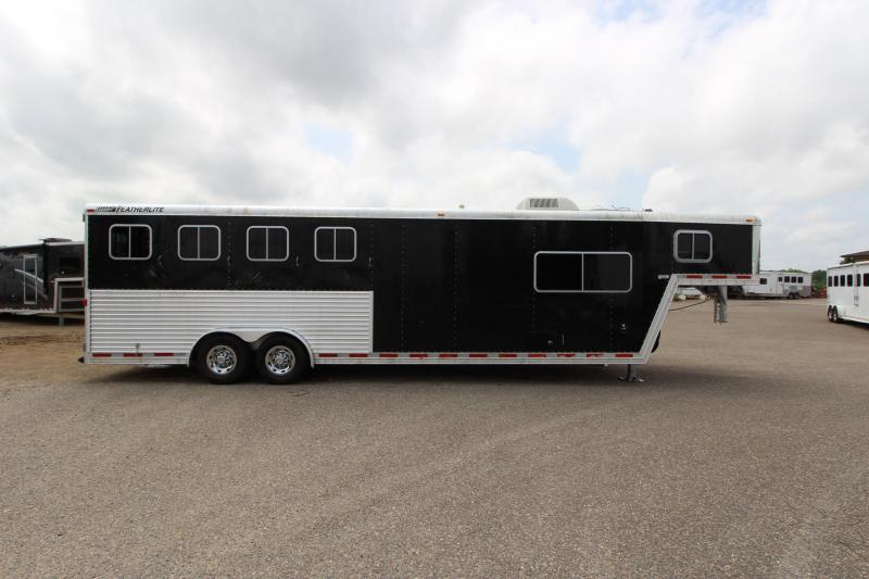 2005 Featherlite 4HR 10' LQ Horse Trailer