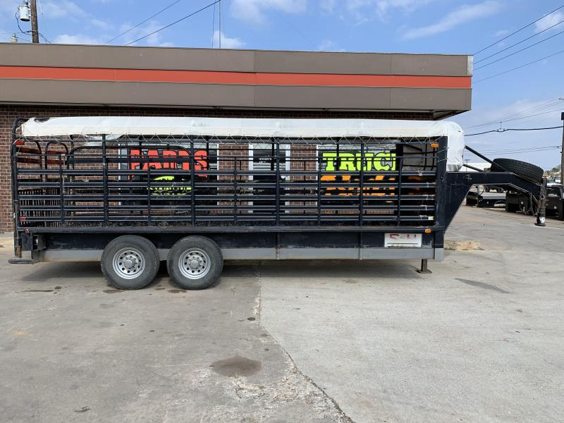 2000 S and H Trailers CTLM Livestock Trailer