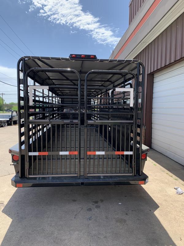 2021 Delco Trailers B832R73BK01642 Livestock Trailer
