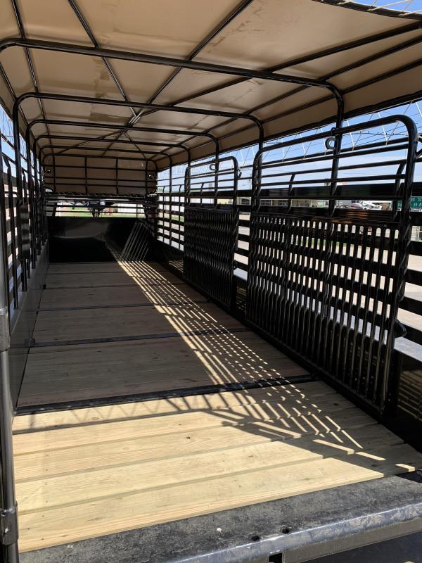 2021 Delco Trailers B824R72BK01640 Livestock Trailer