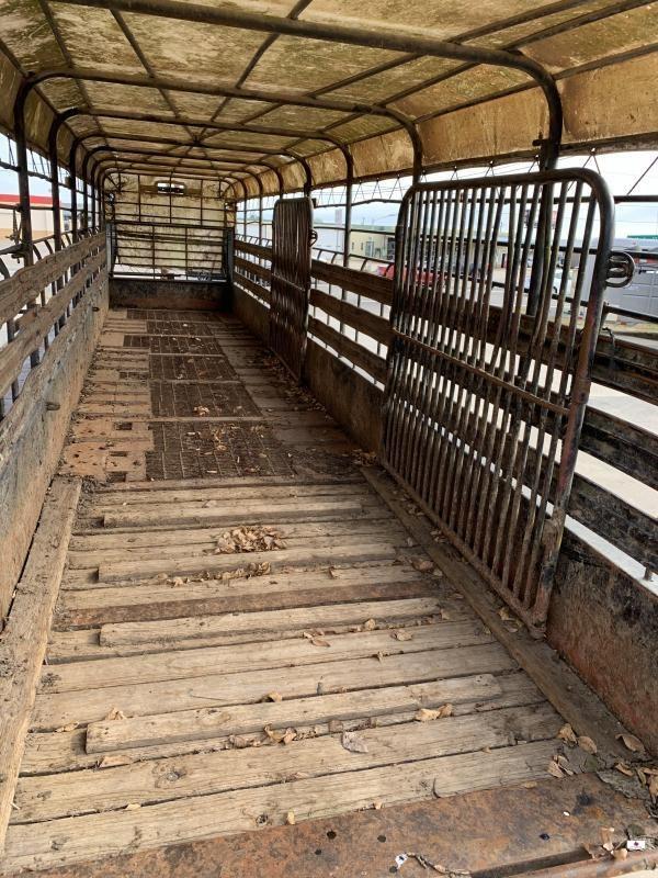 1995 Gooseneck A6A1 Livestock Trailer