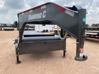 2021 Diamond C 40' Steel deck Gooseneck Carhauler