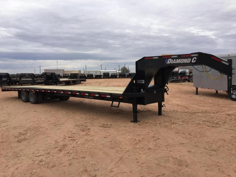 2020 Diamond C Trailers 38' Gooseneck HotShot w/8' Slide In Ramps