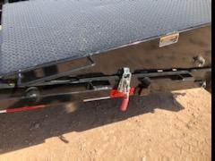 2021 Load Trail 40' Gooseneck Air Ride Lift Axles Max Ramps