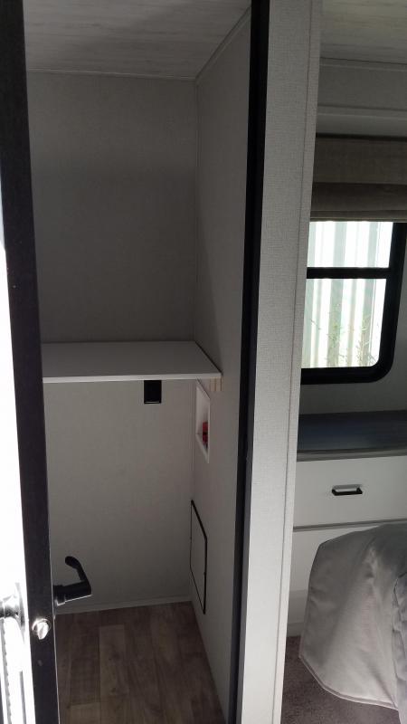 2021 Keystone RV Retreat 39LOFT Destination Trailer RV