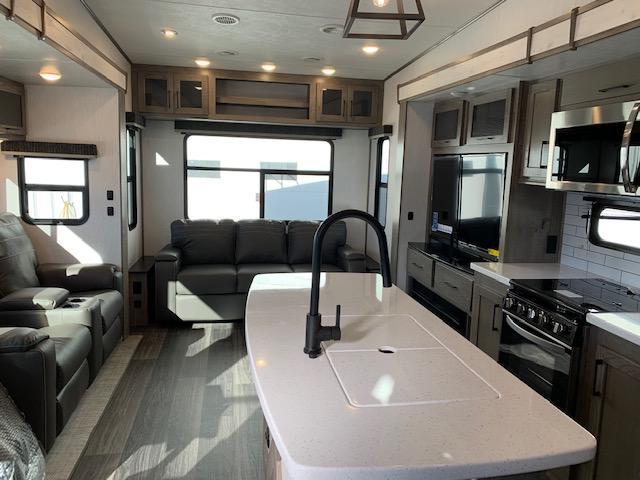 2021 Heartland RV Elkridge 32RLS Fifth Wheel Campers RV