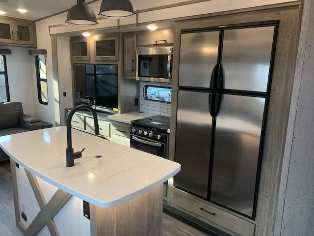 2021 Heartland Elkridge 38MB Fifth Wheel Campers RV