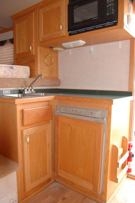 2000 4-Star Trailers Deluxe Horse Trailer
