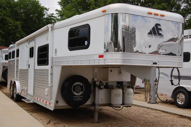 2006 Elite Horse Trailer with Living Quarters