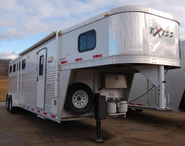 2007 Exiss  Horse Trailer