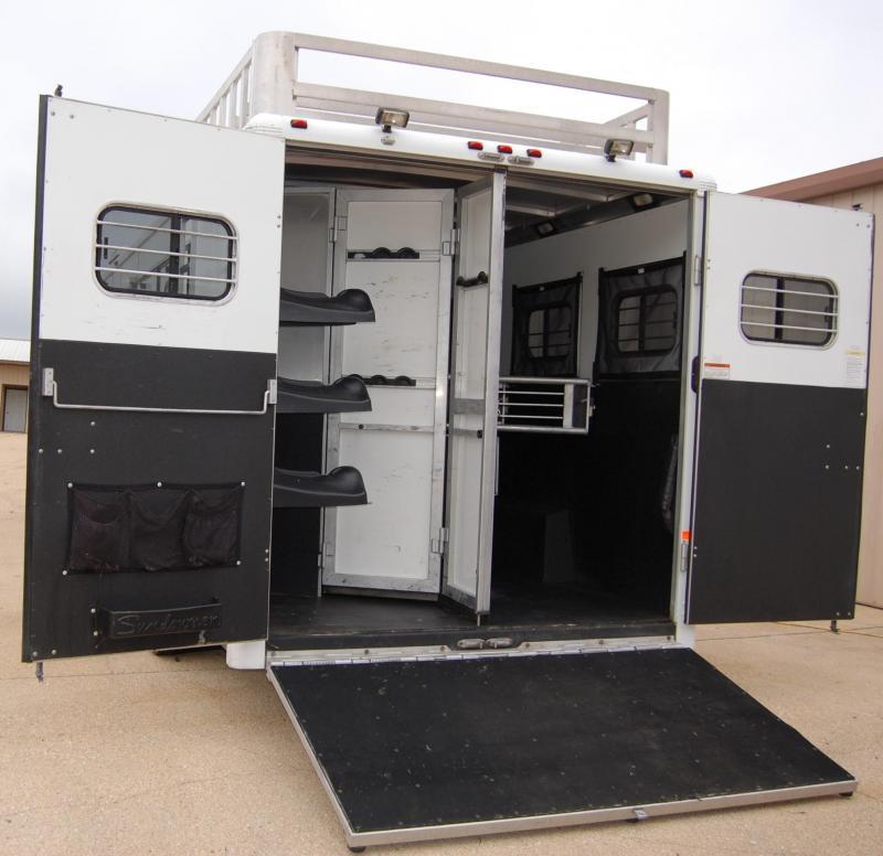 2006 Sundowner  8010-3H Horse Trailer