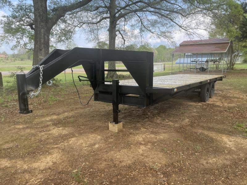 2000 BTM 24' GOOSENECK Equipment Trailer
