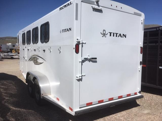 2020 Titan Trailers ROYAL 4 HORSE SLANT LOAD Horse Trailer