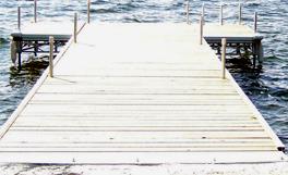Brown's Marina 1641 Chaffeys Lock Rd Aluminum Docks