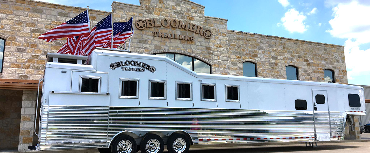 Bloomer Trailers Durham Trailer Ranch Bloomer Trailers And Living Quarter Horse Trailers In Tx