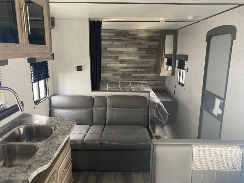 2021 CrossRoads RV Zinger Lite ZR219RB Travel Trailer RV