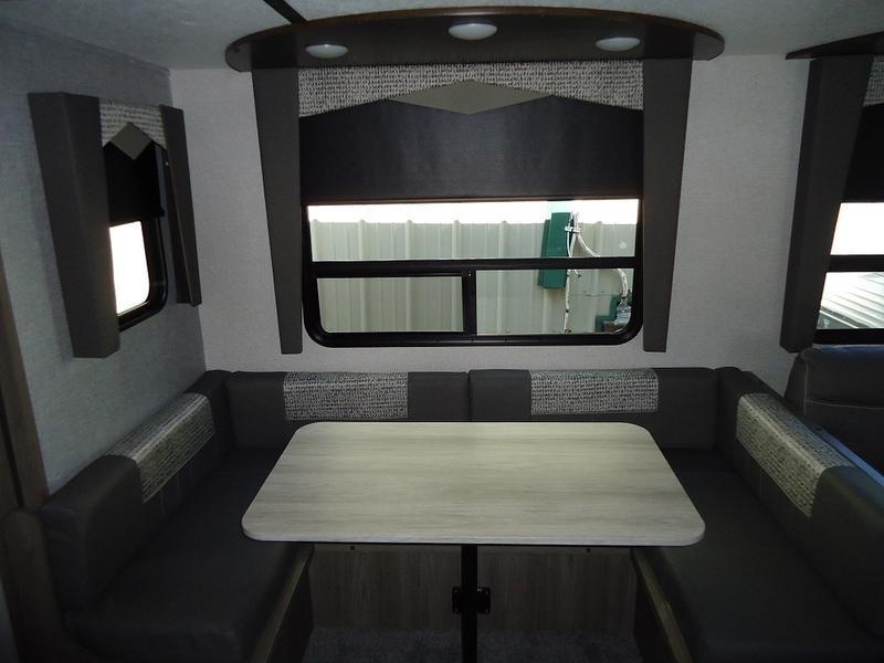 2021 CrossRoads RV Volante VL270BH