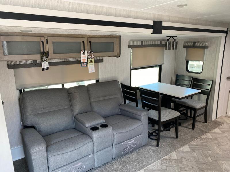 2021 Palomino Puma 31FKRK Travel Trailer RV