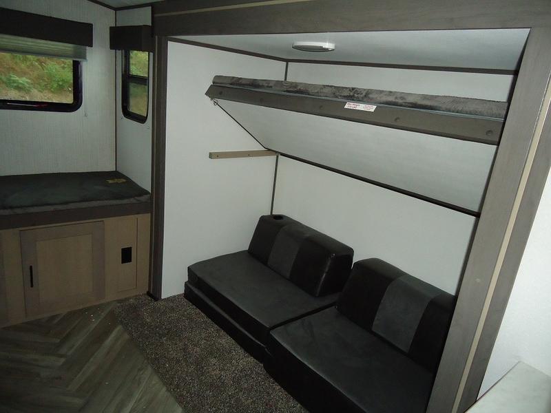 2021 Cruiser RV Shadow Cruiser SC 325BHS