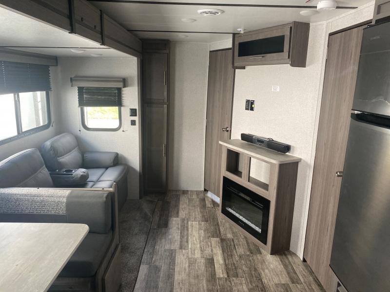 2022 Crossroads Volante VL33DB Travel Trailer RV