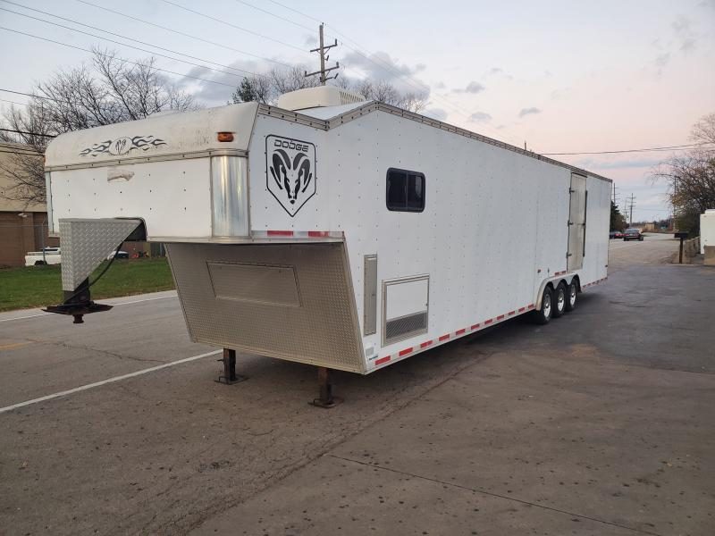 SOUTHWEST 44FT 5TH WHEEL RACE TRAILER