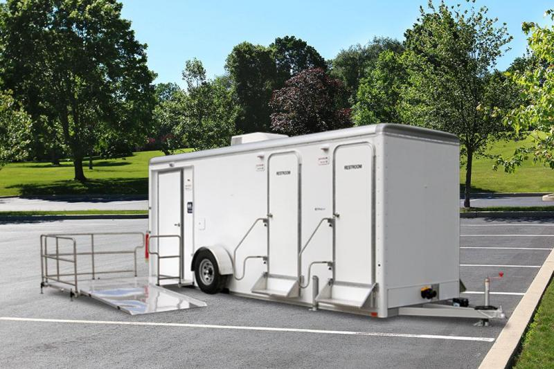 5 Station - ADA +4 Restroom Trailer