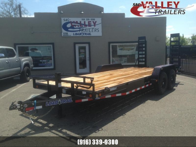 2021 Load Trail CH8320072 Equipment Trailer