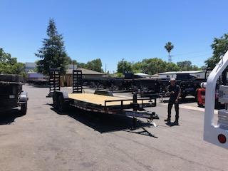 "2021 Load Trail Equipment Trailer 83""x22' 14k"