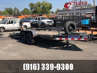 2022 Load Trail TH8316082 Equipment Trailer