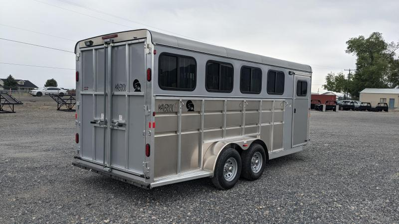 New! 2022 Maverick 4-Horse Deluxe All-Aluminum Horse Trailer