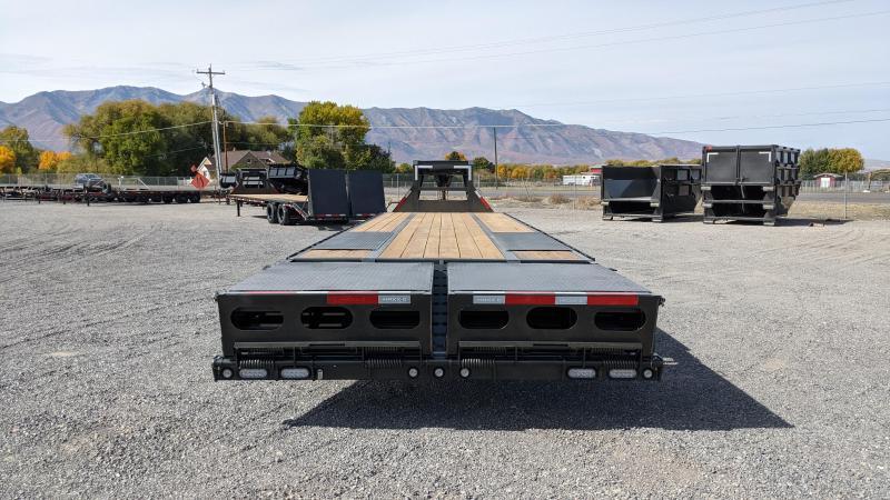 New! 2022 MAXX-D 35' LDX Gooseneck 25.9K Flatbed Trailer