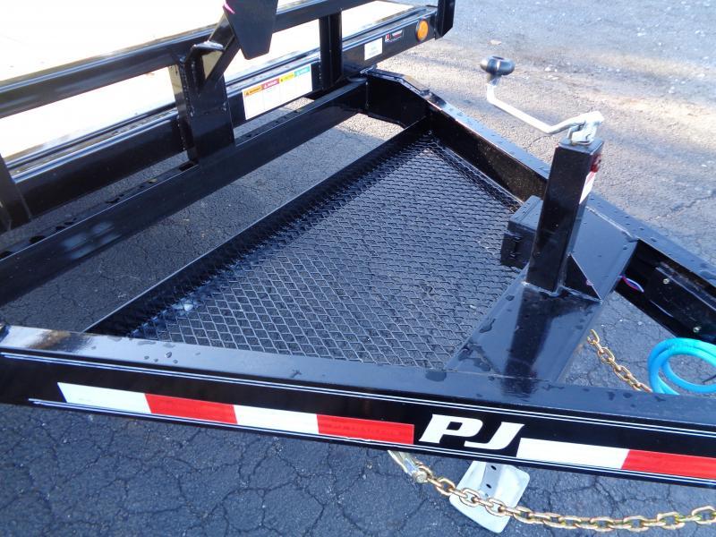 2021 PJ Trailers 20' Medium Duty Deckover 6 in. Channel (L6) Flatbed Trailer