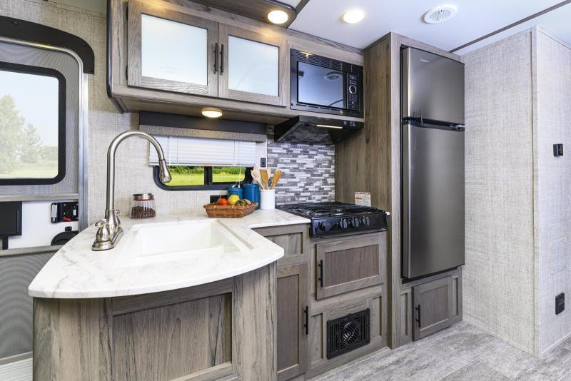 2021 Trailmaster-Lite 279BH Travel Trailer w/quad bunks