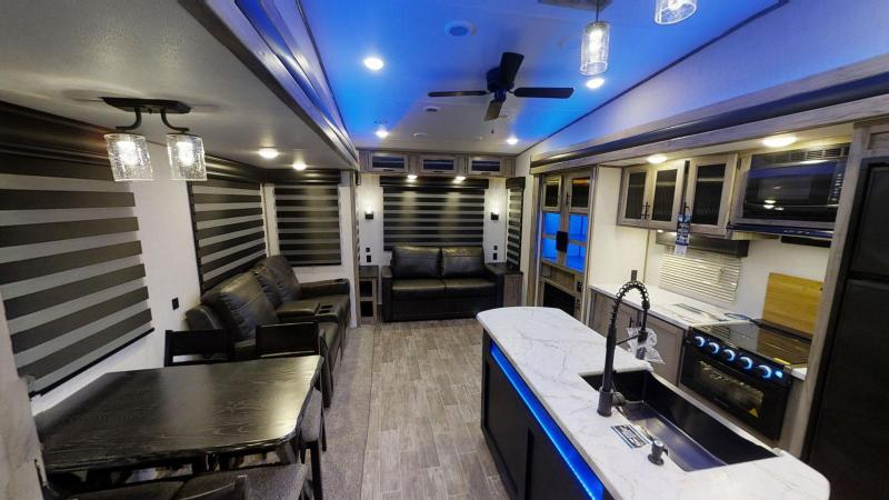2021 Arctic Wolf Limited 291RL Couples Model Fifth Wheel Camper