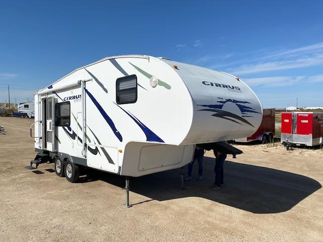 2008 Pilgrim Int. Cirrus Ultra Lite 25CRK 5th Wheel Couples Camper