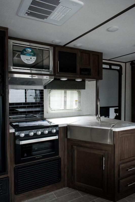 2020 Alpha Wolf Limited 29QB Bunk Model Travel Trailer